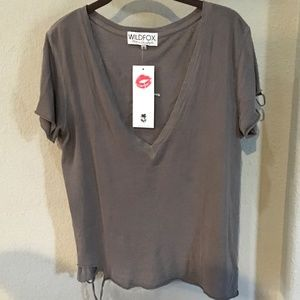 BNWT WILDFOX DISTRESSED V NECK TEE